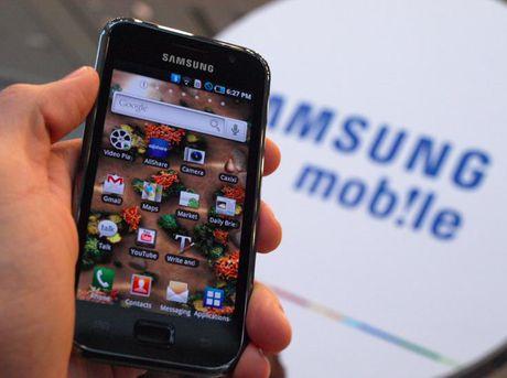 Man hinh cong khien Apple, Samsung khong the bo nhau - Anh 2