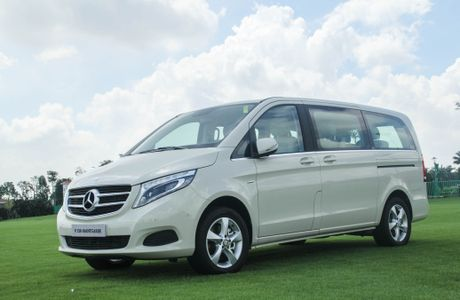 Chi tiet Mercedes V 250 gia 2,5 ty dong tai Viet Nam - Anh 3