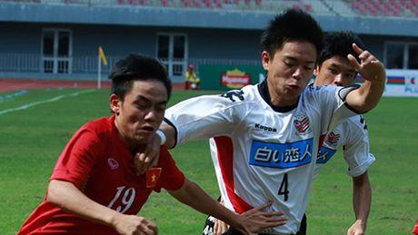 Video Tien Dung cuu thua cho U19 Viet Nam tren cham 11m - Anh 1