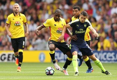 "CDV Arsenal ""phat dien"" voi man trinh dien cua Oezil, Sanchez va Xhaka - Anh 2"