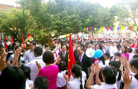Thu tuong du le khai giang tai truong Nguyen Dinh Chieu - Anh 1