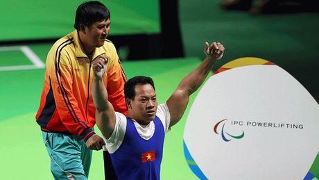Le Van Cong: Hanh trinh vuot len so phan cua nguoi hung Paralympic - Anh 1