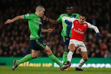 Arsenal vs Southampton (21h ngay 10/9): Hieu ung tu nhung hong phao moi - Anh 3