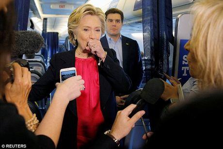 Ba Clinton ho su su, phai nho mat vu diu xuong khan dai - Anh 3