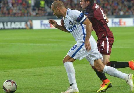 01h45 ngay 03/10, AS Roma vs Inter Milan: Quyet chien cho top 3 - Anh 5