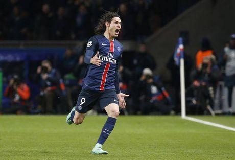 Diem tin sang 02/10: Arsenal thang hoa nho hang thu; Cavani 'khung' hon Aguero, Griezmann - Anh 1
