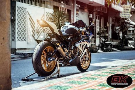 Dan choi Viet chi hang tram trieu 'do' moto BMW S1000RR - Anh 1