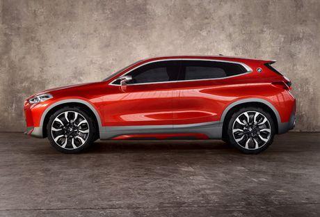Crossover co nho BMW X2 'dau' Mercedes GLA co gi? - Anh 3