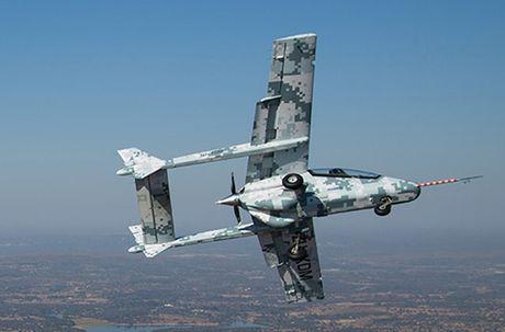 Suc manh kho tuong tuong may bay AHRLAC Nam Phi - Anh 5