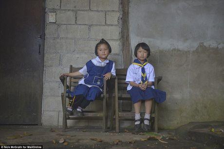 Su that sau buc anh hai co be Thai trom dong ho du khach Tay - Anh 6