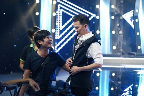 "Lam Truong nhay cuc sung ""xong dat"" minishow cua Am Nhac & Buoc Nhay - Anh 1"