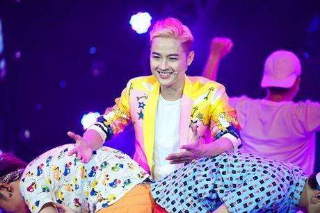 "Lam Truong nhay cuc sung ""xong dat"" minishow cua Am Nhac & Buoc Nhay - Anh 4"