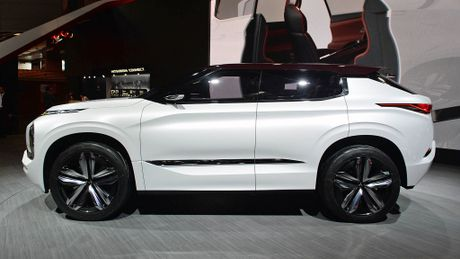 Moi xem bo anh Mitsubishi GT-PHEV Concept - Lieu co phai la tuong lai cua Mitsubishi? - Anh 3