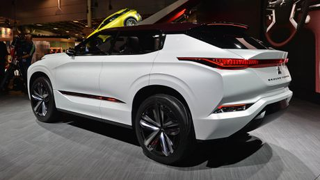 Moi xem bo anh Mitsubishi GT-PHEV Concept - Lieu co phai la tuong lai cua Mitsubishi? - Anh 4
