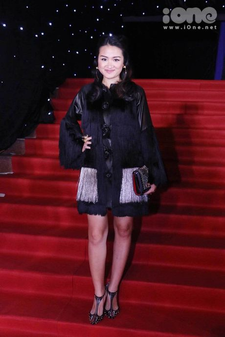 Dan sao long lay tren tham do chung ket Vietnam's Next Top Model 2016 - Anh 2