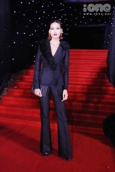 Dan sao long lay tren tham do chung ket Vietnam's Next Top Model 2016 - Anh 5
