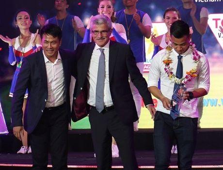 Tin HOT sang 2/10: Huu Thang 'viet vi', Arsenal 'duoi kheo' Sanchez - Anh 2