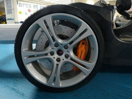 Mua 'sieu xe' McLaren 12C chi von ven 45.000 USD - Anh 2