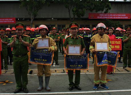 Ren luyen tot de chong giac lua bao ve tinh mang, tai san cua nguoi dan - Anh 4