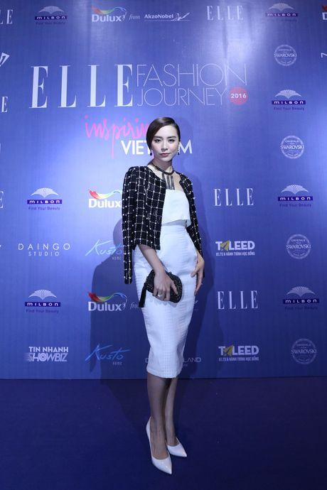 Dan Hoa hau, A hau 'do bo' tham do dem cuoi cua Elle Fashion Journey 2016 - Anh 11
