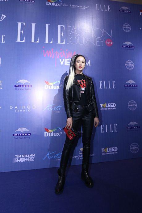 Dan Hoa hau, A hau 'do bo' tham do dem cuoi cua Elle Fashion Journey 2016 - Anh 6