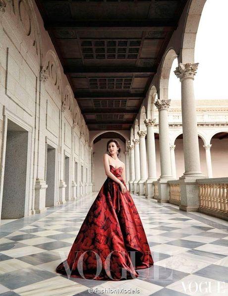'Chan dai' Lam Chi Linh ruc lua trong vu dieu flamenco nong bong - Anh 9