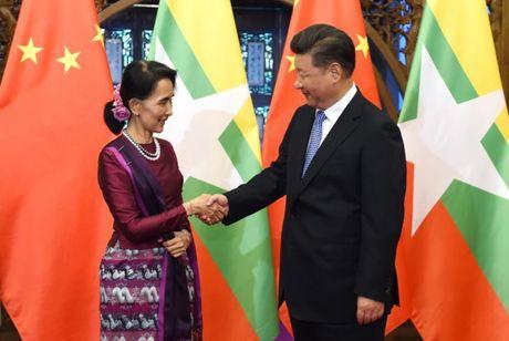 Tong thong Duterte va chinh sach ngoai giao nuoc lon - Anh 4