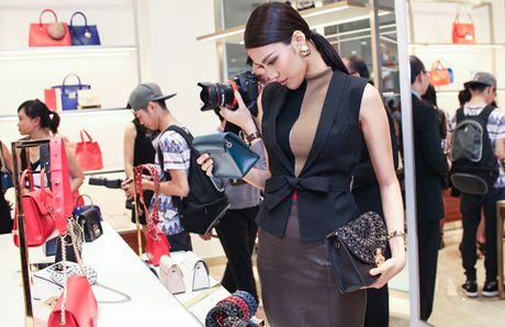 Ha Anh, Trang Khieu do ve goi cam khi hoi ngo - Anh 7