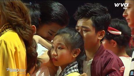 Lang nguoi voi khoanh khac Ngoc Quang an ui nguoc lai Dong Nhi sau Liveshow 3 day nuoc mat - Anh 5