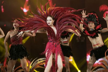 Liveshow 12 ty Dam Vinh Hung: Nhu dang lac vao thien duong giai tri Las Vegas! - Anh 6