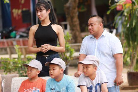 Dien vien Hieu Hien bat khoc tren song truyen hinh - Anh 2