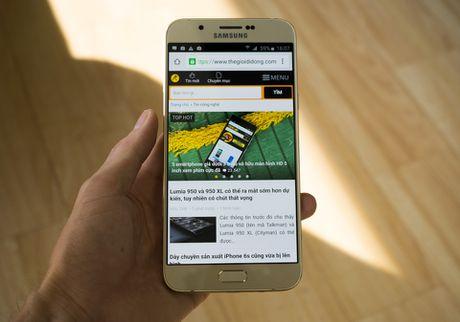 So sanh Galaxy A8 (2016) va A8 (2015): Co gi khac biet? - Anh 1