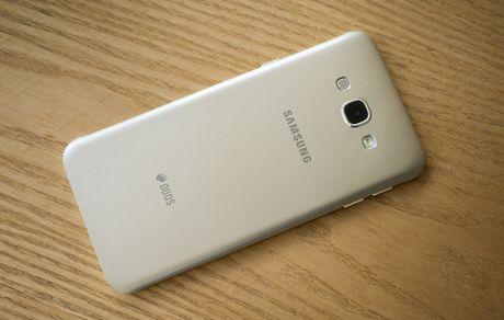 So sanh Galaxy A8 (2016) va A8 (2015): Co gi khac biet? - Anh 5