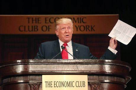 NY Times: Bao lo 916 trieu USD, Trump tron thue 18 nam? - Anh 1