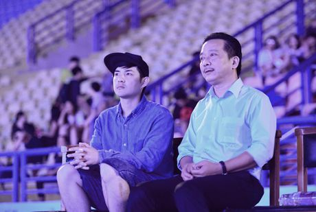 San khau cua Dong Nhi hoanh trang khong thua kem sao Han - Anh 5
