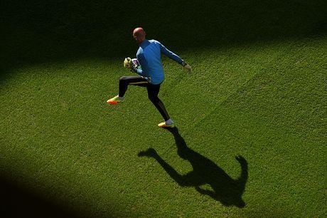Tottenham 2-0 Man City: Pep Guardiola thua tran dau - Anh 10