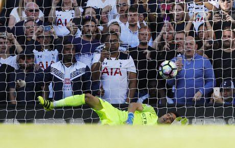 Tottenham 2-0 Man City: Pep Guardiola thua tran dau - Anh 20