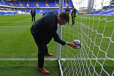Tottenham 2-0 Man City: Pep Guardiola thua tran dau - Anh 6