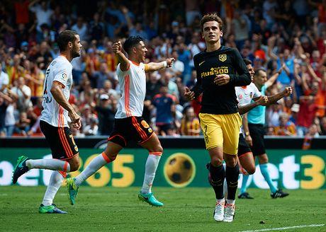 Atletico thang Valencia du da hong 2 qua phat den - Anh 5