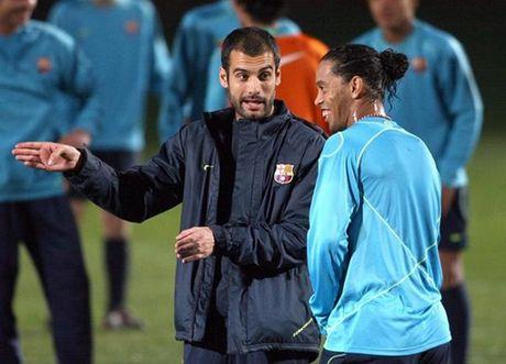 Ronaldinho noi gi ve Neymar, Messi va quang thoi gian tai Barcelona? - Anh 3