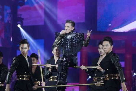 Choang ngop 'Sieu show kim cuong' nua trieu USD cua Dam Vinh Hung - Anh 10