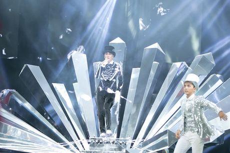 Choang ngop 'Sieu show kim cuong' nua trieu USD cua Dam Vinh Hung - Anh 1