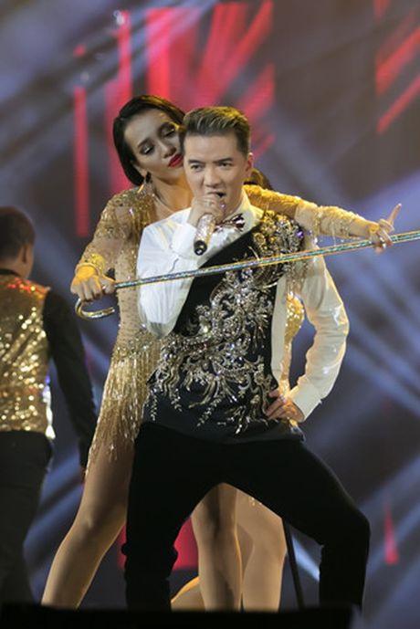 Choang ngop 'Sieu show kim cuong' nua trieu USD cua Dam Vinh Hung - Anh 7