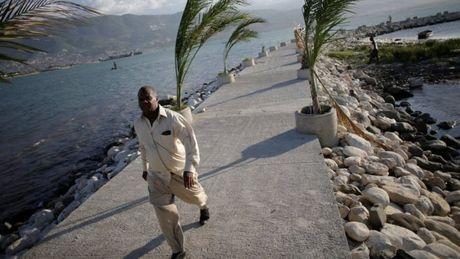 Con bao manh nhat khu vuc Dai Tay Duong do bo vao Caribbean - Anh 1