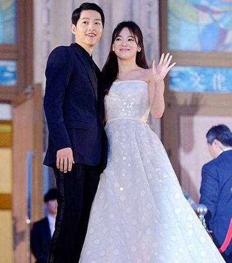 'Nguoi tinh' Song Hye Kyo rung le nhan giai thuong lon - Anh 3