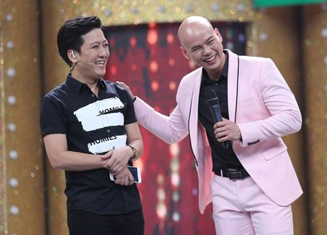 Vo chong Phan Dinh Tung hat tang con gai tren truyen hinh - Anh 1