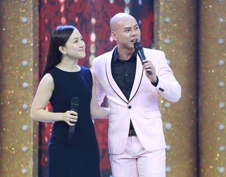 Vo chong Phan Dinh Tung hat tang con gai tren truyen hinh - Anh 2