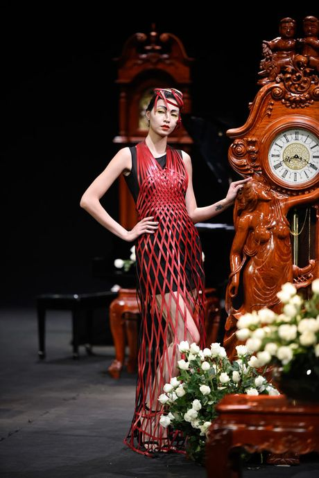 Thoi gian lang dong tai dem dien haute couture VFW - Anh 3