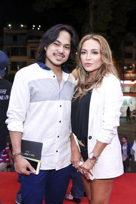 Quach Tuan Du khoe ban gai doanh nhan giua tin don gioi tinh - Anh 13