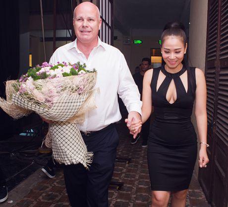 Quach Tuan Du khoe ban gai doanh nhan giua tin don gioi tinh - Anh 5